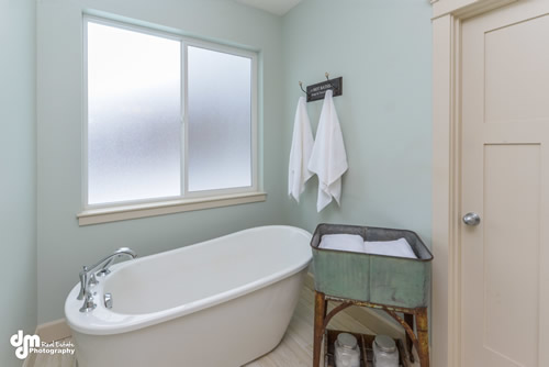 Master Bathroom-5270-FULL
